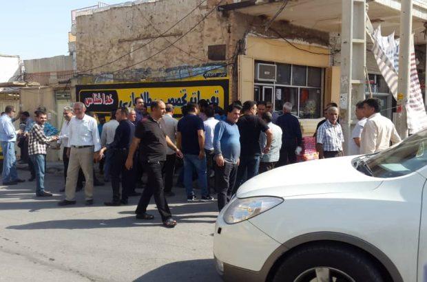 تجمع معترضان سد چمشیر به دفتر تاجگردون کشیده شد+تصاویر