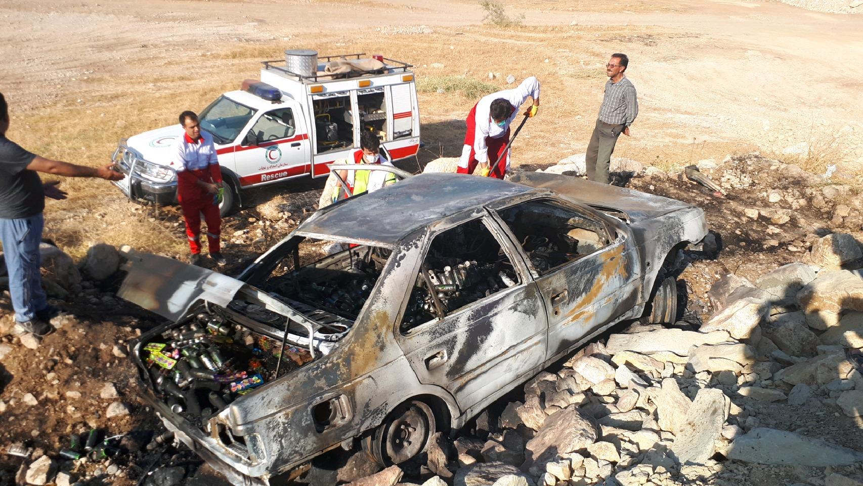 پژو ۴۰۵ در شلالدان در آتش سوخت/جسد راننده قابل شناسایی نیست+جزئیات