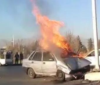 تصادف وحشتناک پراید و ۲۰۶ در کمربندی یاسوج/سه نفر در آتش سوختند