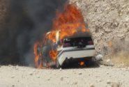 آتشزدن خودروی سمند حامل مواد مخدر در گچساران/کشف تریاک و شیشه در این خودرو+تصویر